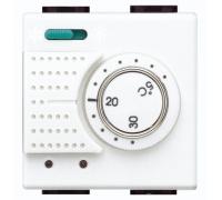 Электронный комнатный термостат со встроенным переключателем режимов «лето/зима»